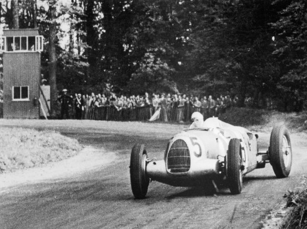 Bernd Rosemeyer triumphed in the 1937 Grand Prix at Donington Park, Great Britain in an Auto Union 16-cylinder Type C racing car