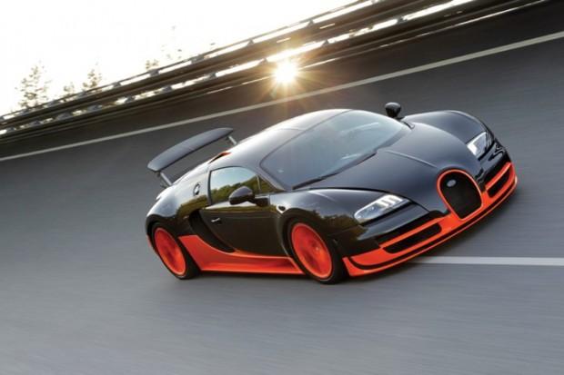 Bugatti Veyron 16.4 Super Sport on banking