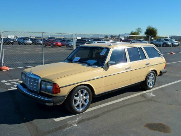 Mercedes-Benz 300TD Modified Station Wagon