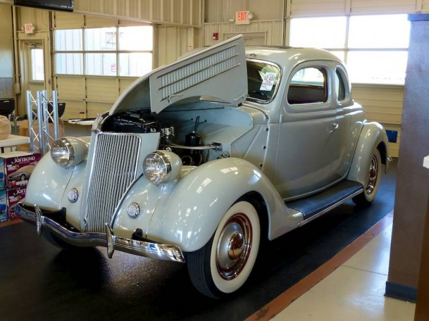 1936 Ford 5-window Coupe