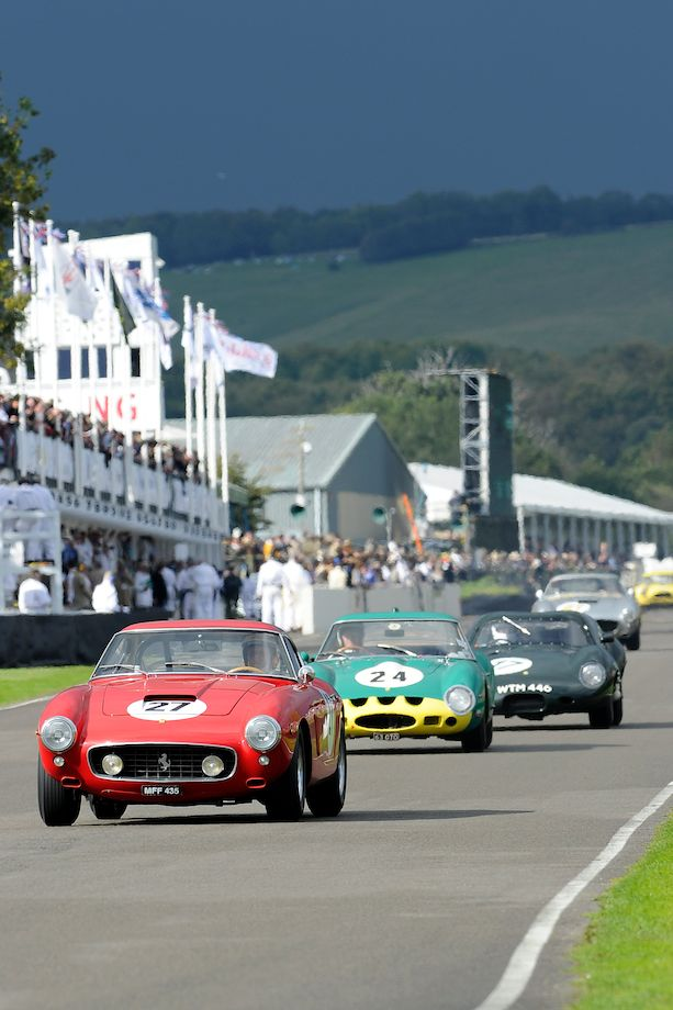 Ferrari 250 GT SWB Comp leads Ferrari 250 GTO and Lister Jaguar Coupe