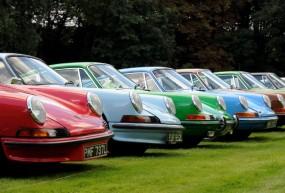 Porsche 911 lined up