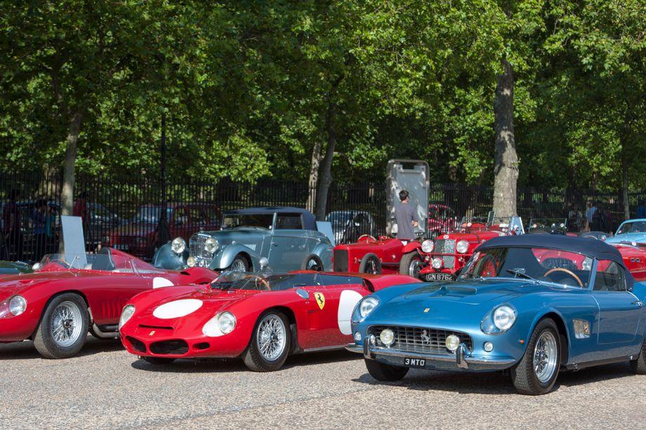 1955 Maserati 300S, 1962 Ferrari 268 SP and 1961 Ferrari 250 GT Scaglietti SWB California Spider
