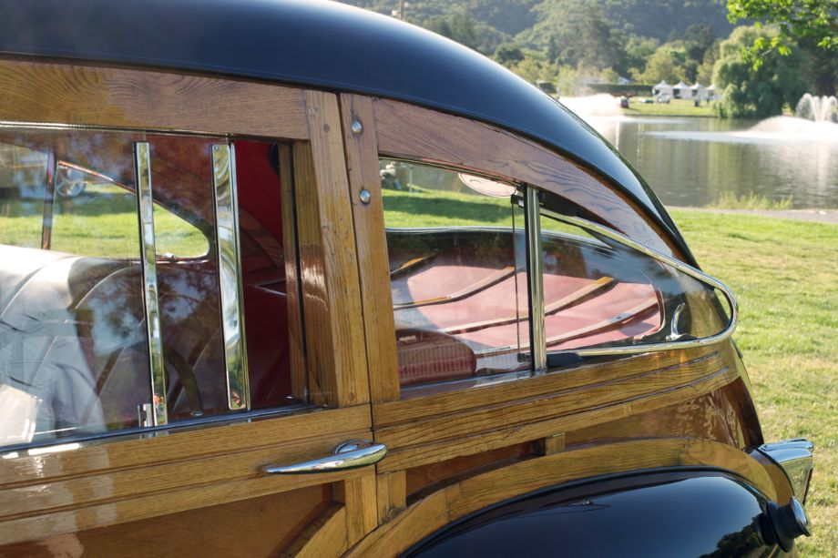Chrysler Town and Country Woody.