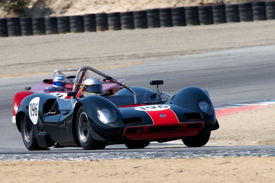 Quick combination - Herinda De Silva in his 1965 Elva Mk 8S in turn two.