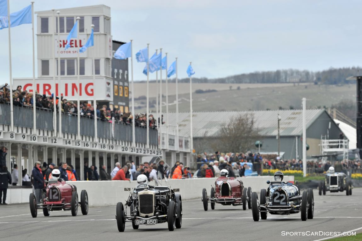 Start of the Earl Howe Trophy for Pre-1935 Grand Prix race cars