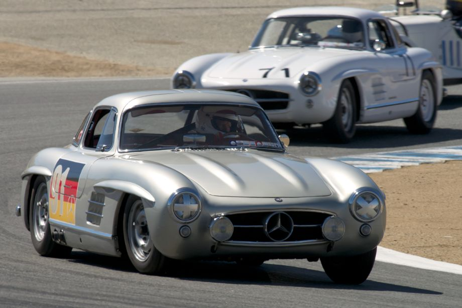 Alex Curtis in his Mercedes-Benz 300SL Gullwing in turn two.