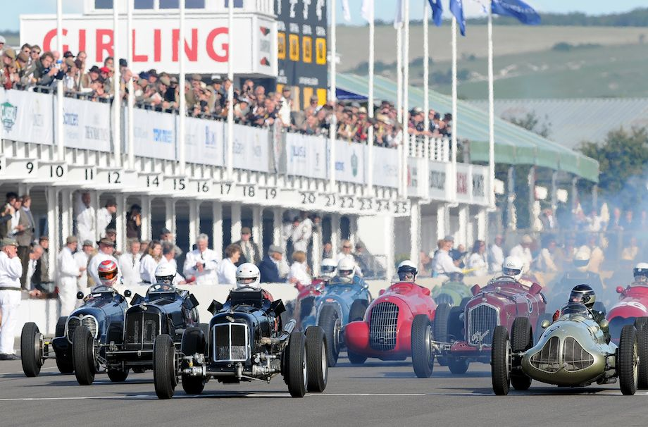 Start of the Goodwood Trophy Race at the 2010 Goodwood Revival
