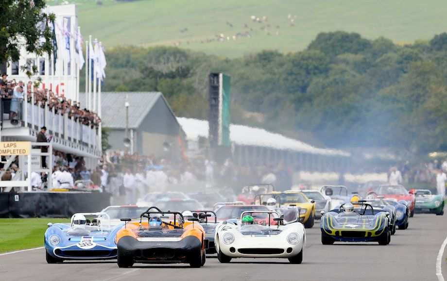 Start of the Whitsun Trophy, the fastest race at the 2010 Goodwood Revival