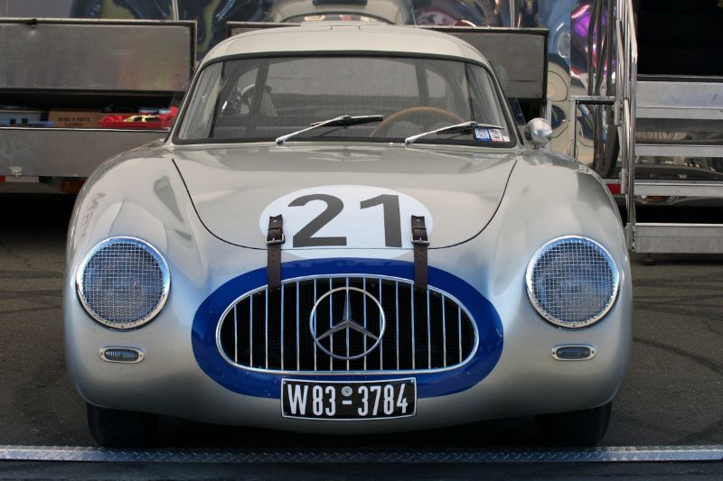 Mercedes benz wins 1952 24 hours of le mans for Mercedes benz hours