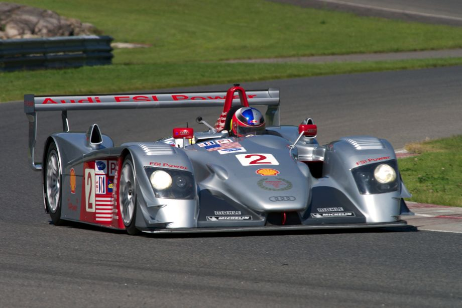 Travis Engen's 2005 Audi R8 LMP in turn fifteen.