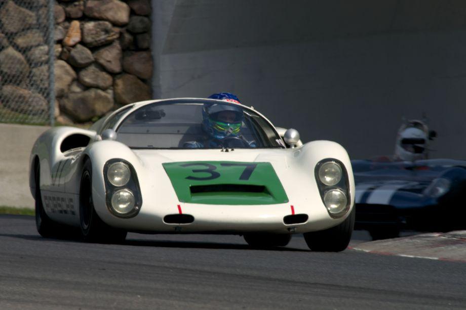 Thor Johnson's Porsche 910.