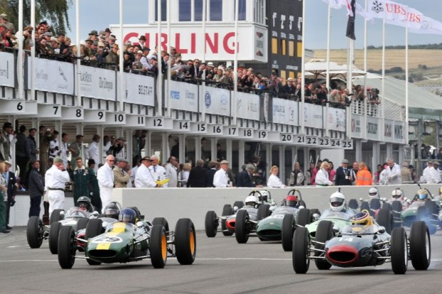 Lotus 25 and Lola Mk4 at the start of the Glover Trophy