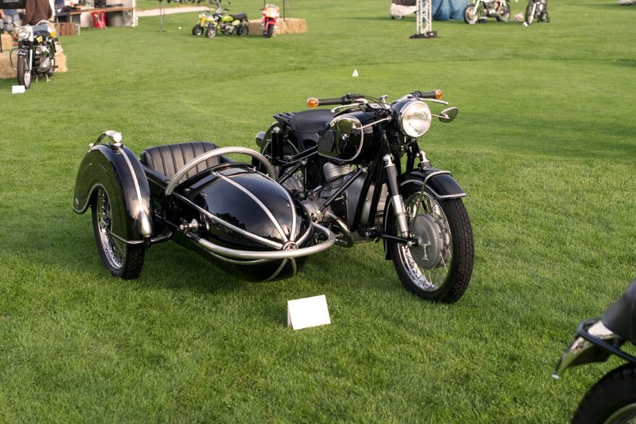 1969 BMW R60/2 with a Steib S501 side car.