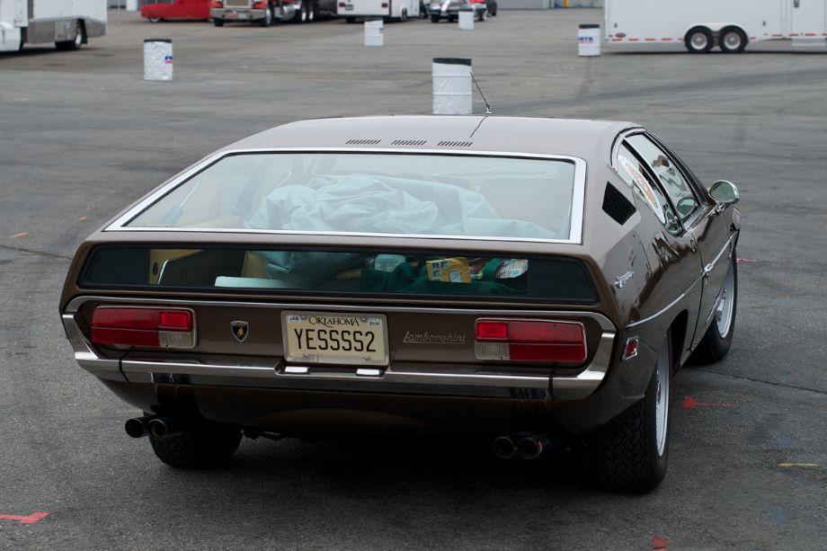 Lamborghini Espada in the pits.