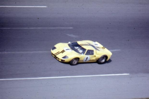 Ford GT40 Mk II Bruce McLaren Lucien Bianchi Daytona 24 Hours 1967