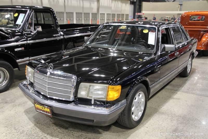 1990 Mercedes-Benz 560 SEL 4-Door Sedan