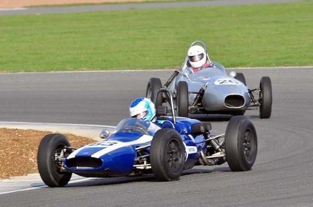 Formula Junior Winner Jon Milicevic Cooper T59 leads Roger Dextra