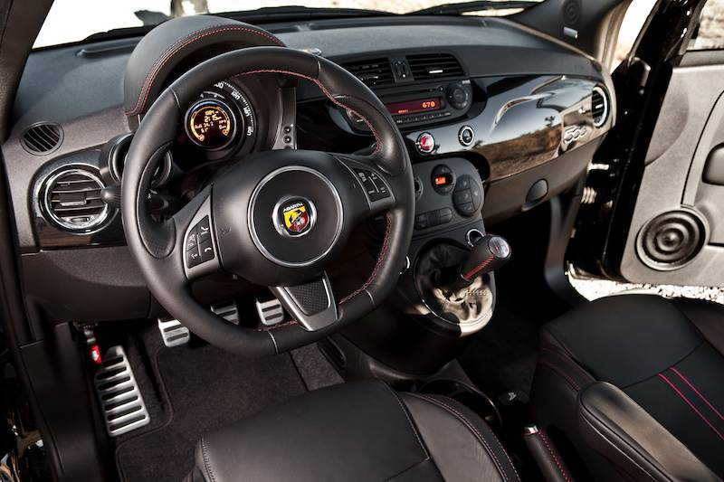 Small but wicked fiat 500 abarth driving report for Interior 500 abarth
