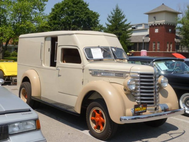 1947 Diamond T 201 Panel Truck