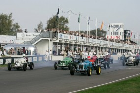 Start of the Goodwood Trophy Race