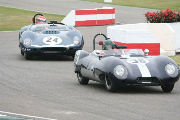 Hibberd/Ernst Lotus Eleven holds off Dodd/Williams Tojeiro-Jaguar; photo credit: Peter Brown
