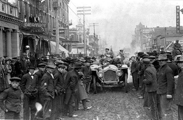 1908 New York to Paris race in Grand Island, Nebraska.