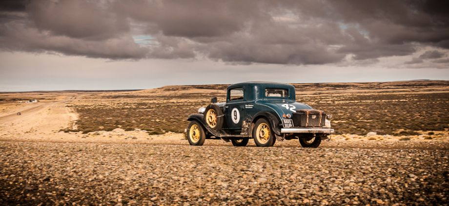 1932 Plymouth Coupe - Mark Winkleman and Vitor Conceicao