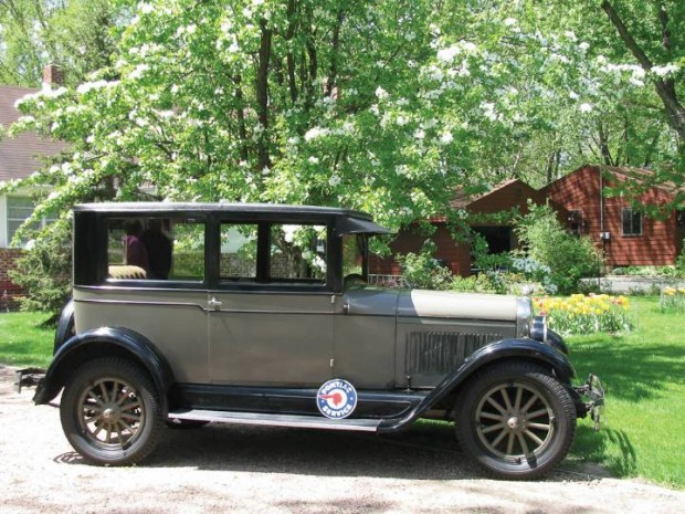 Pontiac 6-27 2-Dr. Sedan