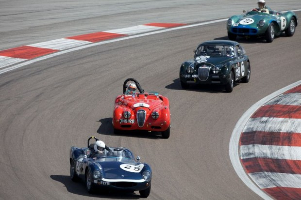 Aston Martin DB3S chases two Jaguar XKs and Tojeiro-Jaguar