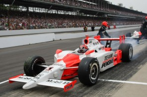Helio Castroneves during the 2009 Indianapolis 500