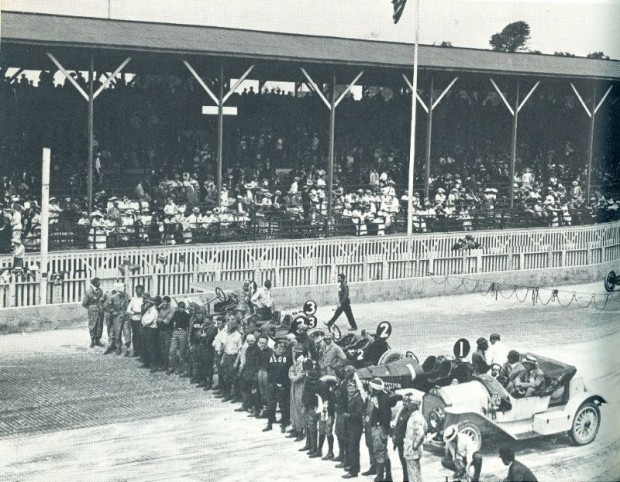 1911 Indianapolis 500 front row with Stoddard-Dayton pace car
