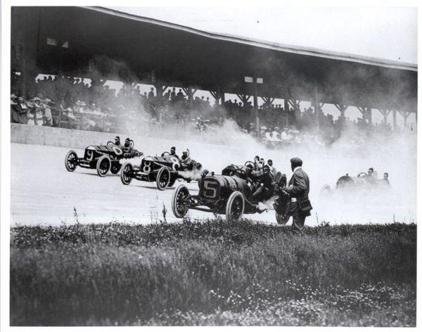 Racing at 1911 Indianapolis 500