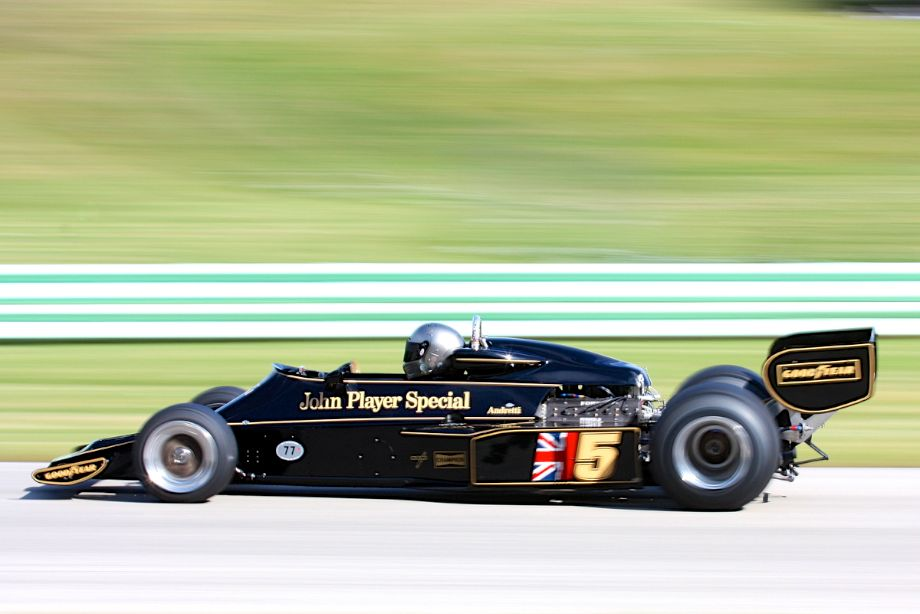 Chris Locke's 1976 Lotus 77