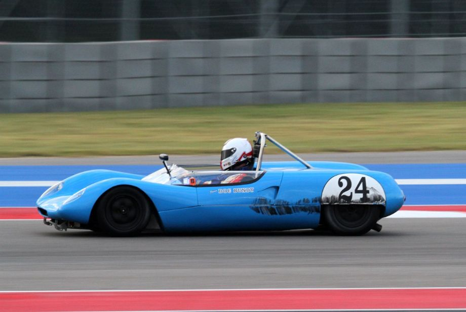 Doc Bundy in the Lotus 23B were in some very close action.