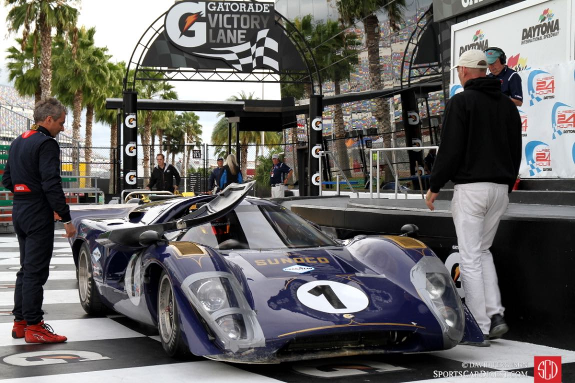 69 Sunoco liveried Lola T70 Mklllb in victory circle, just like in the 1969 24 Hours of Daytona.