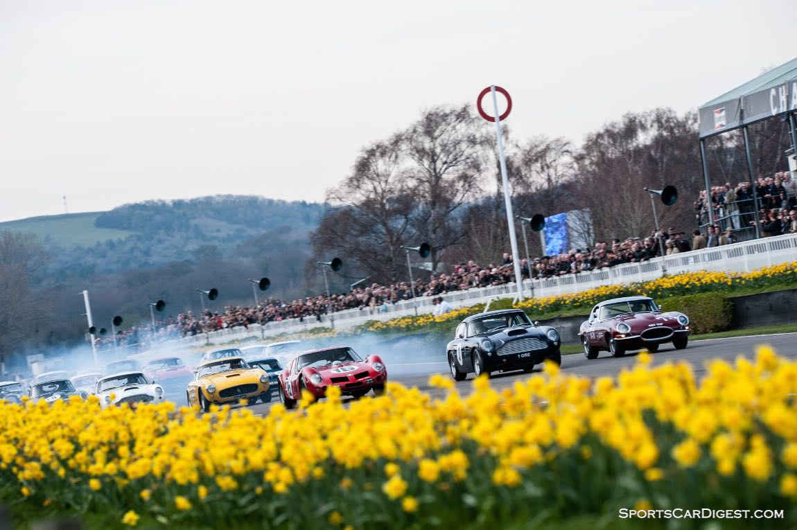 Start of the Moss Trophy at the 2014 Goodwood Members' Meeting