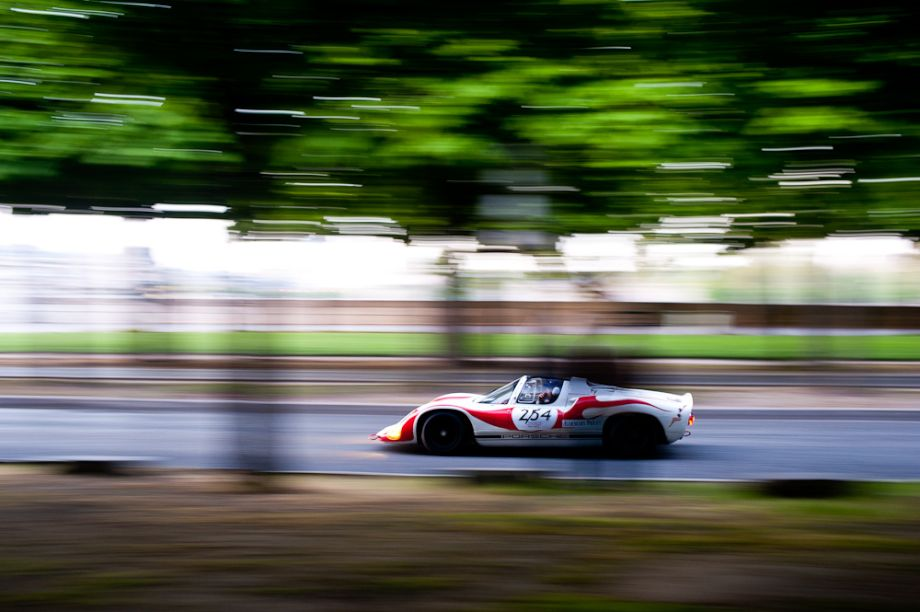 Porsche 910 at Tour Auto