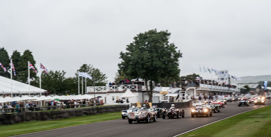 Start of the Freddie March Trophy race at 2013 Goodwood Revival
