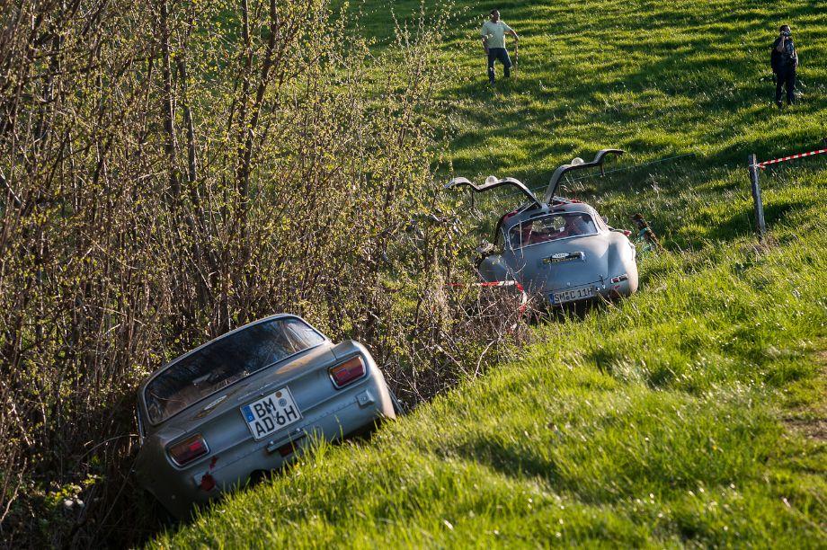 Alfa Romeo 2000 GTV and Mercedes-Benz 300 SL Gullwing