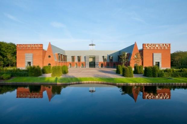 Louwman Museum, front side