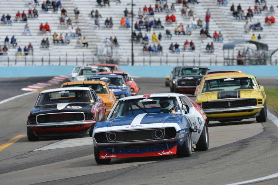 New York Govenor's Cup race for Historic Trans Am.
