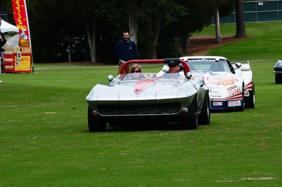 Tom Cotter's 1964 Chevrolet Corvette and the 1976 Greenwood Corvette of SG Racing