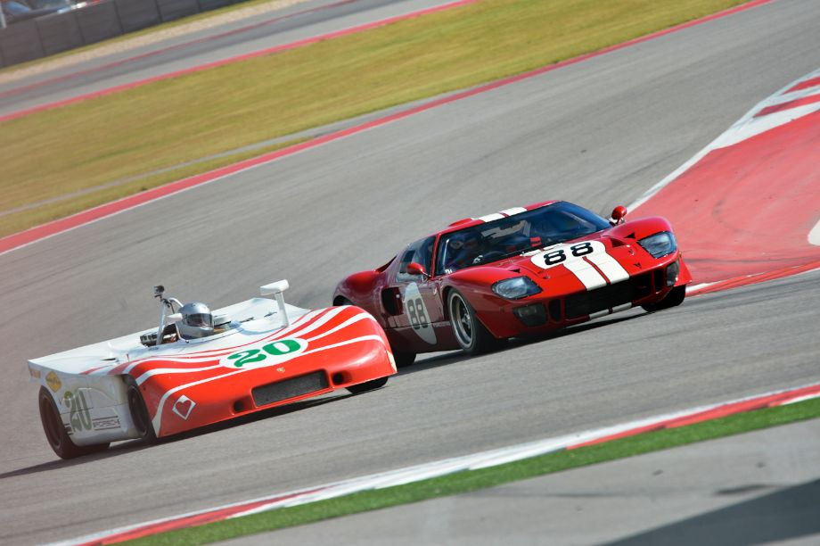 Who will yield? Porsche 908/3 or Ford GT40.