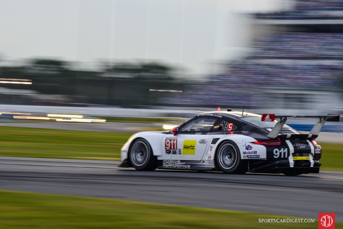 Porsche 911 RSR at 2016 Rolex 24 Hours of Daytona