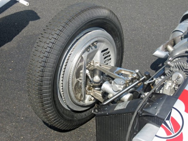 Mercedes-Benz W154 front suspension featured independent suspension with wishbones, coil springs and hydraulic dampers