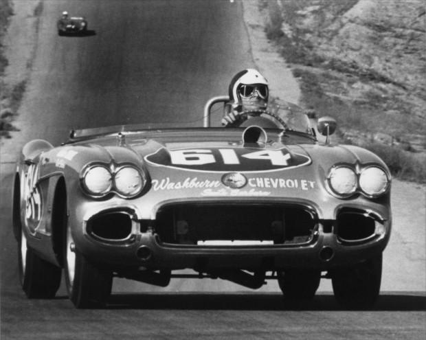 1961 LA Times GP, Bob Bondurant in his 1959 Corvette.