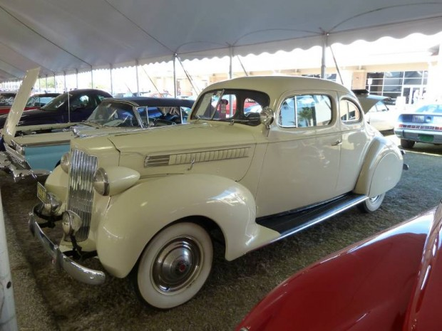 1939 Packard 110 Coupe