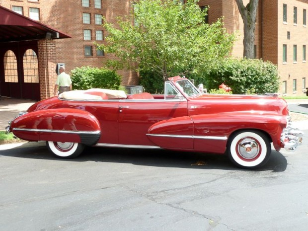 1942 Cadillac Series 62 Convertible Coupe