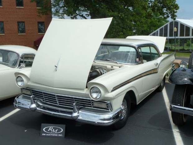 1957 Ford Fairlane 500 2-Dr. Hardtop